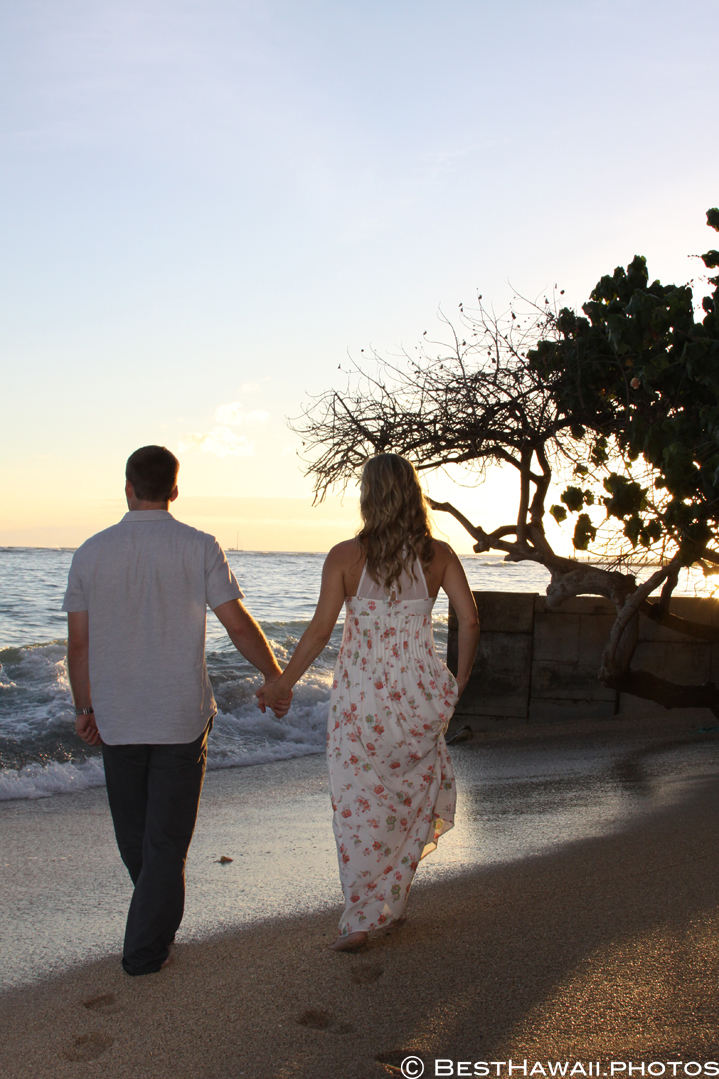 Hawaii Engagement photos by BestHawaii.photos Waikiki Honolulu 2015_08292015_6181