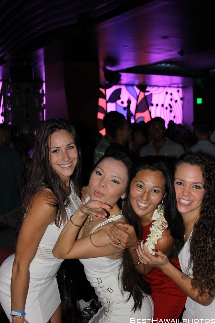 Sky Waikiki club photos