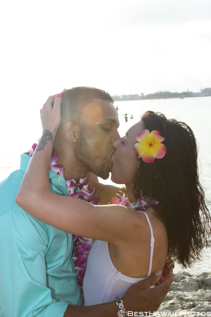 Small Hawaii Wedding BestHawaii.photos Magic Island Honolulu 2015_.JPG08072015_5793