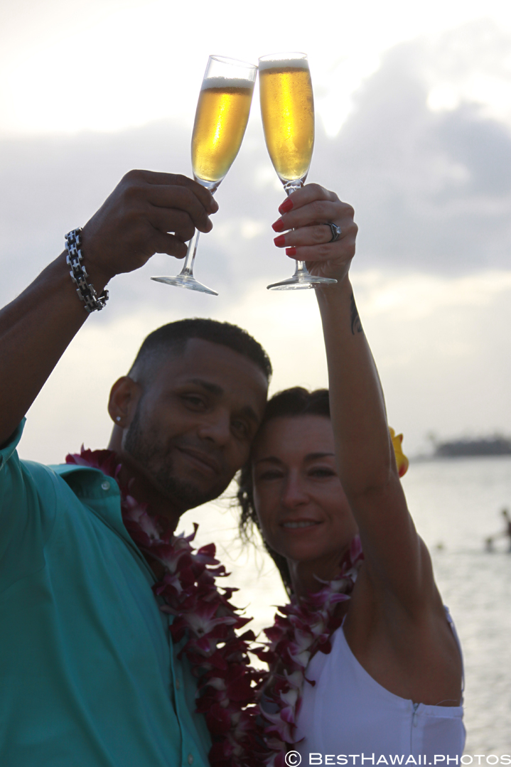 Small Hawaii Wedding BestHawaii.photos Magic Island Honolulu 2015_.JPG08072015_5855