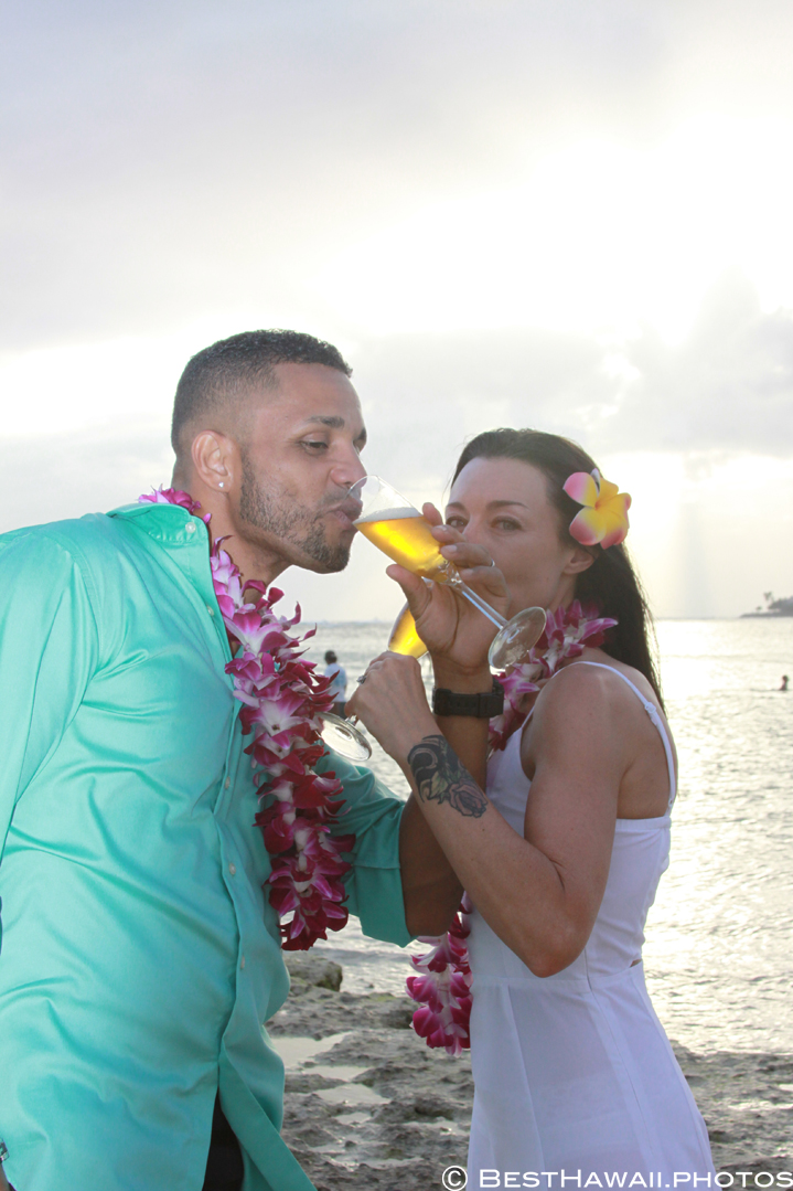 Small Hawaii Wedding BestHawaii.photos Magic Island Honolulu 2015_.JPG08072015_5858