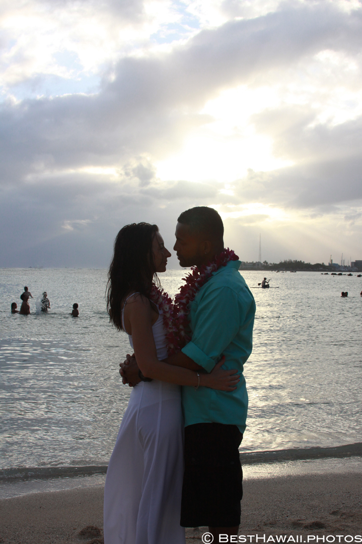 Small Hawaii Wedding BestHawaii.photos Magic Island Honolulu 2015_.JPG08072015_5890