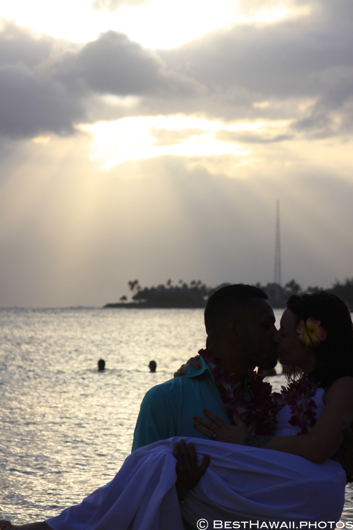 Small Hawaii Wedding BestHawaii.photos Magic Island Honolulu 2015_.JPG08072015_5908