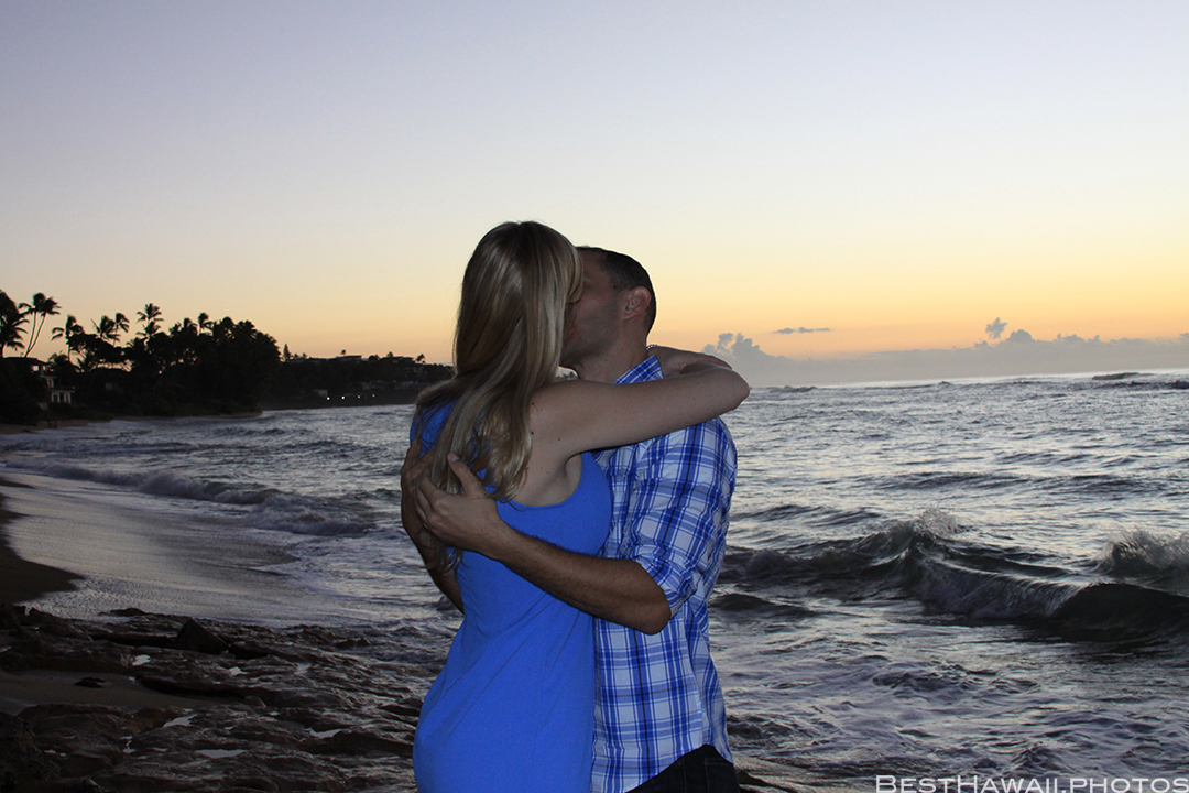 Diamond Head Beach Sunrise Engagement by Pasha www.BestHawaii.photos 011020168297