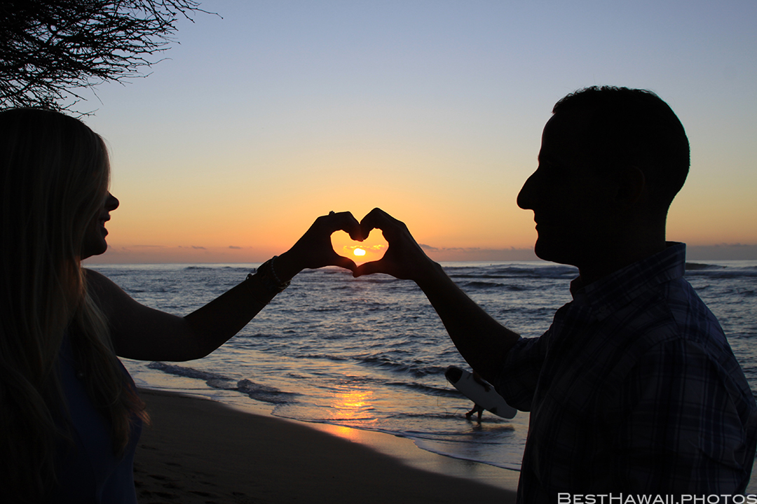Diamond Head Beach Sunrise Engagement by Pasha www.BestHawaii.photos 011020168370
