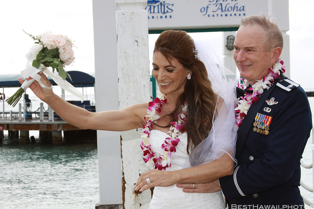 Wedding Photos at Hilton Hawaiian Village by Pasha www.BestHawaii.photos 121820158627