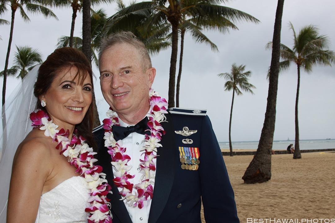 Wedding Photos at Hilton Hawaiian Village by Pasha www.BestHawaii.photos 121820158628