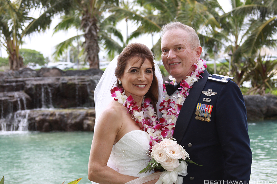 Wedding Photos at Hilton Hawaiian Village by Pasha www.BestHawaii.photos 121820158635