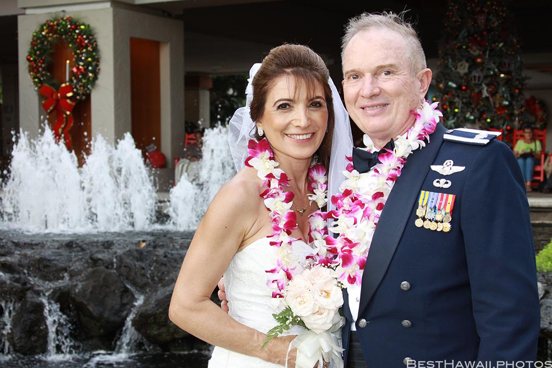 Wedding Photos at Hilton Hawaiian Village by Pasha www.BestHawaii.photos 121820158650