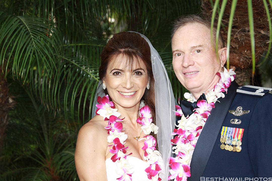 Wedding Photos at Hilton Hawaiian Village by Pasha www.BestHawaii.photos 121820158652