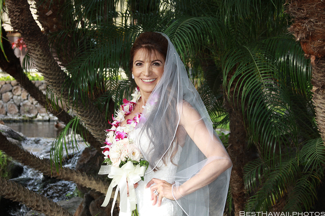 Wedding Photos at Hilton Hawaiian Village by Pasha www.BestHawaii.photos 121820158653