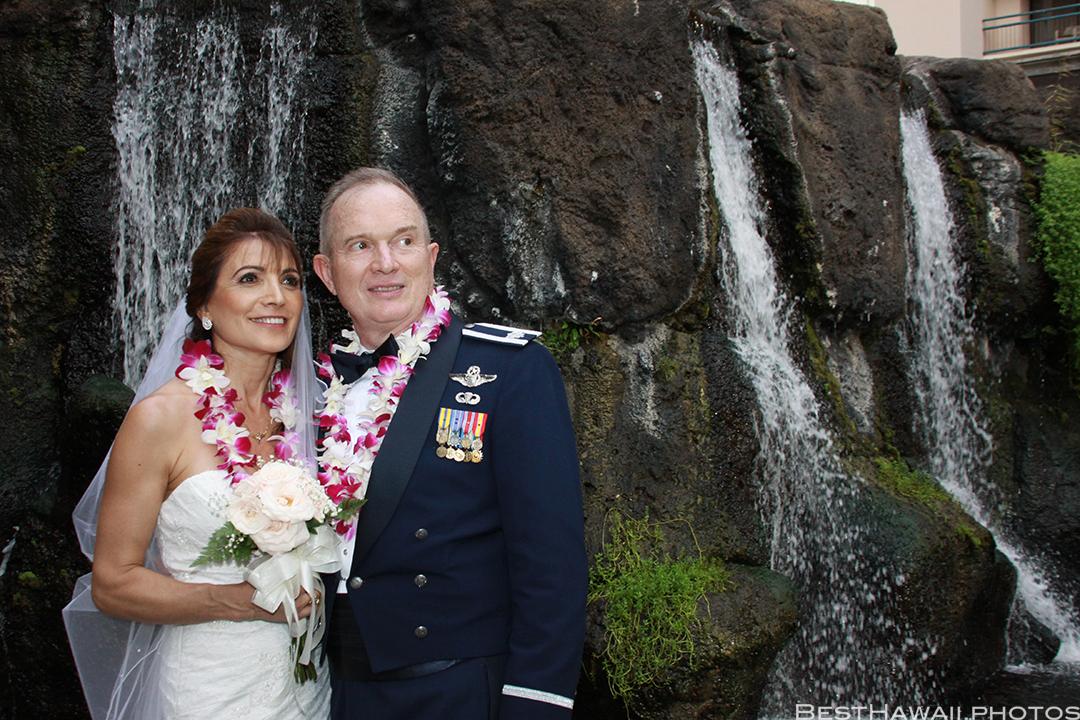 Wedding Photos at Hilton Hawaiian Village by Pasha www.BestHawaii.photos 121820158657