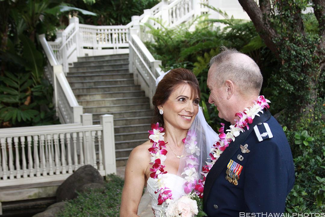 Wedding Photos at Hilton Hawaiian Village by Pasha www.BestHawaii.photos 121820158662