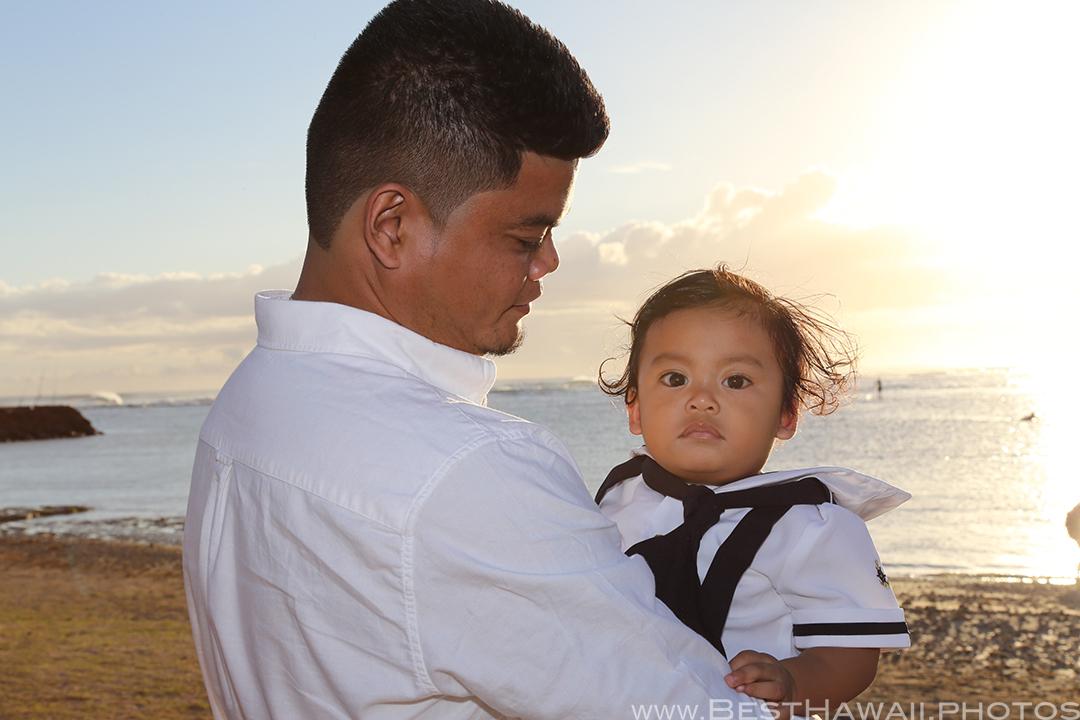 1st Birthday at Ala Moana Beach Park Sunset | Best Hawaii Photos