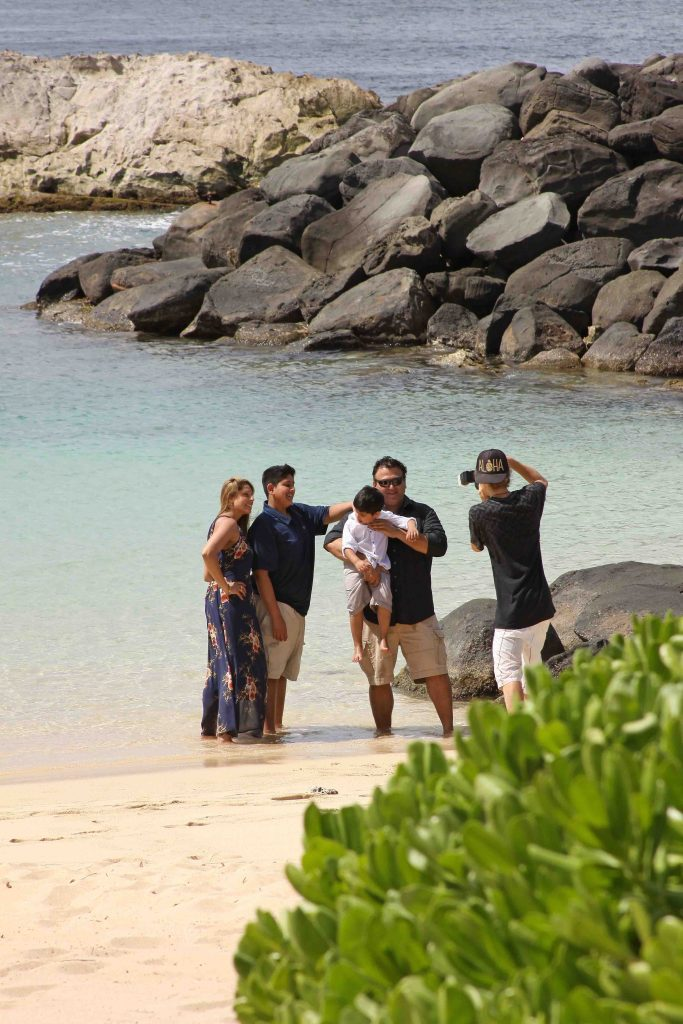 Pasha Hawaii Photographer at work in Ko Olina
